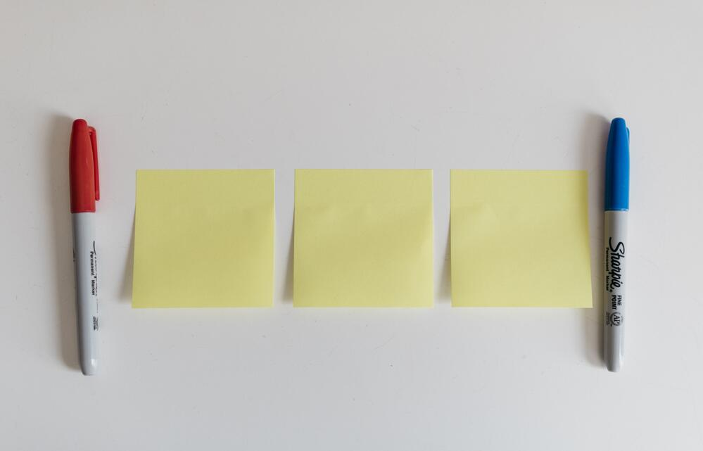 3 blank sticky notes, as a concept of rapid prototyping models
